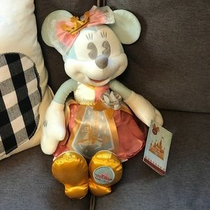 NWT Minnie Mouse The Main Attraction Plush Doll